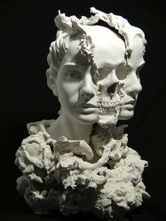 メトロギャラリー飯田・Metro Gallery: 彫刻家・田表泰児の作品を購入した「剥ぐ又は削ぐ行為と覆う行為・二律背反の声なき叫び」/メトロギャラリー