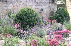 english courtyard gardens - Google Search