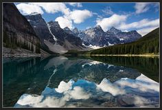 Canadian Rockies-Lake Moraine