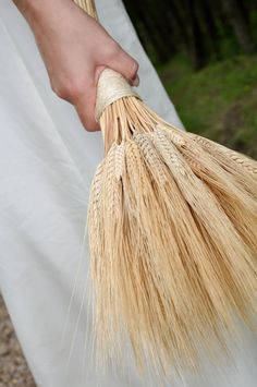 Lugnasad: Craft a wheat bouquet for October Wedding, Autumn Wedding, Rustic Wedding, Bride Bouquets, Bridesmaid Bouquet, Gerbera, Dream Wedding, Wedding Day, Mariage