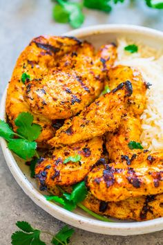 Grilled Tandoori Chicken Grilled Tandoori Chicken - Recreate this Indian favorite QUICKLY and EASILY at home! If you're looking for a new spin on grilled chicken, this is THE recipe to try! Super juicy, flavorful, and you'll LOVE IT! Grilled Tandoori Chicken Recipe, Authentic Tandoori Chicken Recipe, Tandori Chicken, Tandoori Recipes, Indian Chicken Recipes, Cooked Chicken Recipes, How To Cook Chicken, Indian Food Recipes, Asian Recipes