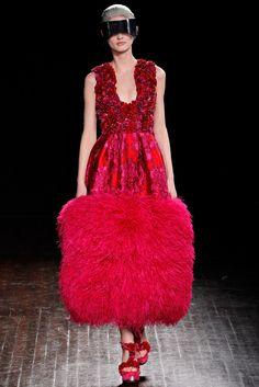 Alexander McQueen Fall 2012 Ready-to-Wear Fashion Show - Patricia van der Vliet