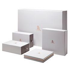E-commerce retail boxes
