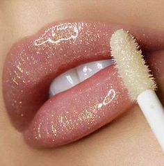 Lovely Beautiful lipstick lip make-up concepts - nude glitter lipstick . Beautiful Lipstick Lip Make-up Concept. Glitter Lipstick, Lipstick Art, Lipgloss, Lipstick Shades, Lipstick Colors, Lip Colors, Lipsticks, Clear Glitter Lip Gloss, Shimmer Lip Gloss