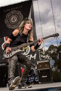 Emma Anzai - Sick Puppies at WJRR's Earthday Birthday 24 / © Lizzy Davis Photography Musician Photography, Concert Photography, Female Guitarist, Female Singers, Sublime With Rome, Heavy Metal Girl, Dog Cuddles, Sick Puppies, Women Of Rock