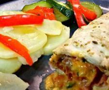 Consomé de verduras y pechugas rellenas con guarnición. Relleno, Tacos, Chicken, Ethnic Recipes, Food, Queso, Vegetarian, Cook, Kitchens
