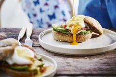 Broodje eggs benedict - Libelle Lekker  Een heerlijk gerecht voor een brunch.