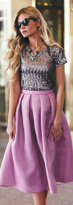 Sparkles abd satin, a glamorously delightful combination! :: Shades of purple:: Vintage Fashion : : Retro Style : : vintage clothing:: Glitter blouse:: Satin pleated skirt