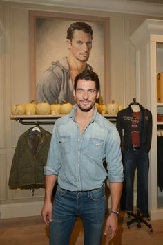 David Gandy Attends the Grand Opening of Lucky Brand's New Beverly Hills Store ~ David James Gandy David Gandy Style, David James Gandy, Fashion Moda, Mens Fashion, Famous Male Models, Androgynous Models, Dolce E Gabbana, How To Pose, Good Looking Men
