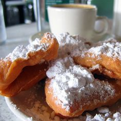 No visit to New Orleans is complete without a chicory-laced café au lait paired with the addictive, sugar-dusted beignets at the venerable institution, Cafe du Monde.