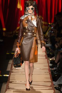 064e0390969 Moschino Fall 2017 Ready-to-Wear Collection Photos - Vogue Milan Fashion  Weeks