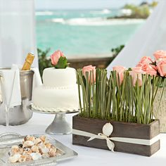 Yum! These beach wedding treats look delicious!