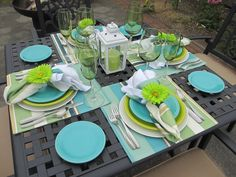 ❤️Fiestaware Dining Tablescape, Turquoise and lemon grass make a lovely combination. Turquoise Table, Turquoise Room, Turquoise Cottage, Table Presentation, Place Settings, Table Settings, Fiesta Kitchen, Fiesta Colors, Creation Deco