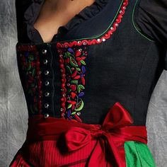 ●Красивые идеи● Handmade Pretty Outfits, Beautiful Outfits, Drindl Dress, Couture, Folk Fashion, Womens Fashion, Folk Costume, Mode Inspiration, Traditional Dresses