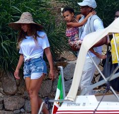 Beyonce Jay & Blue in Sardina Italy 18th August 2016