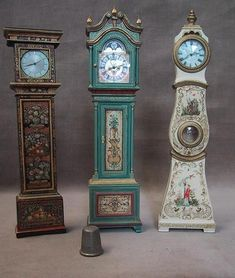 Wonder if I could paint Petra's old clock turquoise??? Janet Reyburn Studio
