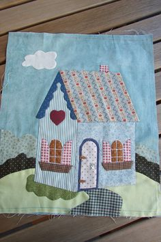 Mi pequeño mundo Patchwork House Quilt Patterns, House Quilt Block, Quilt Block Patterns, Applique Patterns, Applique Quilts, Quilt Blocks, Sewing Crafts, Sewing Projects, Shabby Fabrics