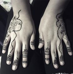 #henna#henne#beauty#body#women#decoration#deco#flowertattoo#flowers#motif#mehndi#hennaart#hennaartist#hennadesign#mehndidesigns#