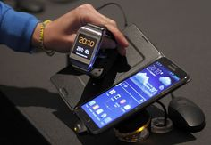 Samsung Dazzles The Tech World With Galaxy Note 3 & Galaxy Gear Smartwatch At Event In Berlin Galaxy Phone, Samsung Galaxy, Samsung Note 3, New Tablets, Gear S, Samsung Mobile, Health App, Galaxy Note 3, Apple Watch Series 3