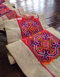 Vintage Hmong fabric Tribal Hemp Cross Stitch por KutchiKooTribe