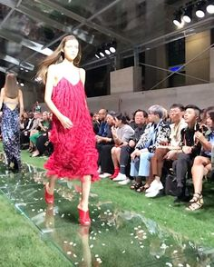 Fringe Fanatics: There's fringe activity aplenty seen on Milan SS18 runways. Here at Salvatore Ferragamo it comes in all its glory looking like hot flames  perfect for a night in town  -- Senior Fashion Editor @windyaulia @ferragamo #salvatoreferragamo #amoferragamo #mfw #lit  via HARPER'S BAZAAR SINGAPORE MAGAZINE OFFICIAL INSTAGRAM - Fashion Campaigns  Haute Couture  Advertising  Editorial Photography  Magazine Cover Designs  Supermodels  Runway Models