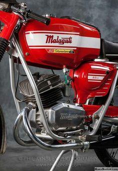 MALAGUTI Motorcycle Museum, Motorcycle Tank, Motorcycle Engine, American Motorcycles, Racing Motorcycles, Vintage Bikes, Vintage Motorcycles, Motorbike Parts, Motorcycles