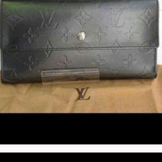 💯Authentic Louis Vuitton Vernis Wallet 💯% Authentic...pls let me know if you would like addition pictures! Louis Vuitton Bags Wallets