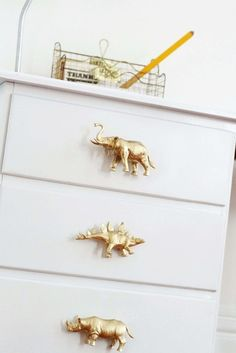 How To Make DIY Drawer Pulls from Just About Anything — Apartment Therapy Tuto. How To Make DIY Drawer Pulls from Just About Anything — Apartment Therapy Tuto… How To Make DIY Drawer Pulls from Just About Anything — Apartment Therapy Tutorials Diy For Men, Diy For Kids, Diy For Babies, Deco Kids, Diy Drawers, Creation Deco, Ideias Diy, How To Make Diy, Barbie Furniture