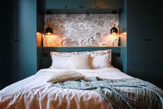 Bedroom Bed Design, Modern Bedroom Design, Home Room Design, Home Bedroom, Bedroom Built Ins, Small Master Bedroom, Condo Living, New Living Room, Flat Interior