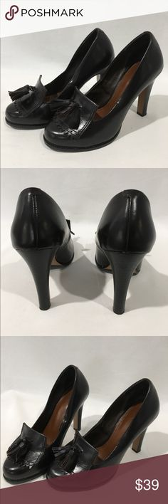 Halogen Career Brown Leather Heels Sz 6.5 M Halogen Career Brown Leather Heels Sz 6.5 M.    Great condition. Comes from a smoke/pets free home. Halogen Shoes Heels