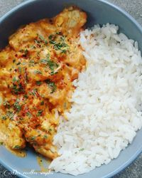 Curry de poulet à la tomate - Des recettes simples-la cuisine de Sandy Hühnchen-Curry mit Tomate - Einfache Rezepte - Sandy kocht recipes Crockpot Recipes, Chicken Recipes, Cooking Recipes, Healthy Chicken Sauce, Cooking Ingredients, Tomato Curry, Health Dinner, Batch Cooking, Healthy Dinner Recipes