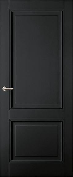 Klassieke zwarte paneeldeur met een bossingpaneel en twee glasopeningen; stijlen en dorpels zijn uitgevoerd met luxe sierprofilering.