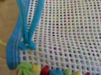 Tapetes Decorativos Passo a passo Tapete amarradinho artesanato fácil Construção do Tapete na técnica de Esmirna  ...