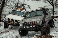 I like the red accents on the silver one Jeep Xj Mods, Jeep Suv, Jeep Truck, Pickup Trucks, Cherokee Sport, Jeep Grand Cherokee, Badass Jeep, Old Jeep, Cool Jeeps