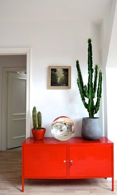 IKEA PS Cabinet, red Every room can use a dose of color! The IKEA PS cabinet gets the job done. Armoire Ikea Ps, Ikea Ps Cabinet, Berlin Apartment, Apartment Therapy, Style At Home, Decoracion Low Cost, Red Cabinets, Metal Cabinets, The Design Files