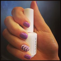Shellac chevron nails