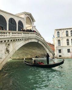 Buongiorno Venezia! We're ready for a wonderful 2018, stay tuned! . . www.porteitalia.com ————————————————— #italianfurniture #venetianinteriors #art #architecture #paintedfurniture #newyear #handmade #handpainted #interiordesign #luxuryhotels #luxuryhome #homedecor #design #finepaintedfurniture #venetianfurniture #venice #instavenice #sothebys #luxuryinteriors #luxuryfurniture #isaloni #ad #milieumag #porteitalia #porteitaliavenezia #porteitaliainteriors