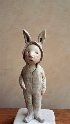 little rabbit sculpture, clay sculpture by Petuqui on Etsy https://www.etsy.com/uk/listing/519749692/little-rabbit-sculpture-clay-sculpture