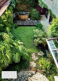 5 Ultimate Cool Tips: Cottage Backyard Garden Plants small backyard garden families.Backyard Garden Party Entertaining backyard garden design how to make. Small Garden Design, Patio Design, Small Gardens, Outdoor Gardens, Small Courtyard Gardens, Small Courtyards, Small Backyard Gardens, Plan Potager, Small Backyard Landscaping