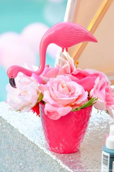 Check out the super fun and easy art party details for any party theme with this Kara's Party Ideas signature Flamingo Pool + Art Summer Birthday Party! Pink Flamingo Party, Flamingo Baby Shower, Flamingo Birthday, Flamingo Pool, Pink Flamingos, Hippie Party, Party Favors, Party Centerpieces, Summer Birthday