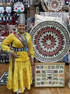 Miss Navajo Nation with traditional tribal art. Native American Rugs, Native American Baskets, Native American Beauty, Native American Photos, Native American Beadwork, Native American Indians, Native Americans, Native Indian, Native Art