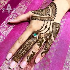 Mehndi or Henna for Fingers Designs Mehndi Fingers, Mehndi Designs For Fingers, Best Mehndi Designs, Fingers Design, Finger Henna, Mehndi Art, Henna Mehndi, Mehendi, Mary Janes