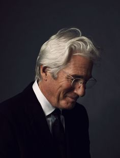 Richard Gere by Patrick Fraser can it be possible that he gets even more handsome with age! Richard Gere, Male Clothes, First Ladies, Best Portraits, Cindy Crawford, Aging Gracefully, Famous Faces, Belle Photo, Gorgeous Men