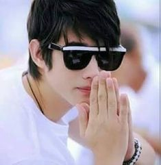 Mario Maurer is heartthrob of millions of girls. I have included Mario Maurer biography in this post. Mario Maurer pictures will surely melt your heart. Asian Actors, Korean Actors, Ivan Dorschner, Kiss Me Drama, Stylish Watches For Girls, Decendants Of The Sun, Mario Maurer, Hair Cutting Techniques, Star Wars