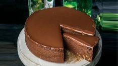 Σοκολατένιο κέικ με μπράουνι – Χρυσές Συνταγές