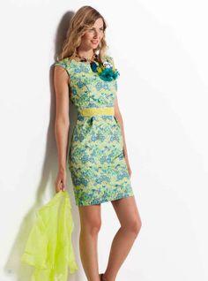 Otro estampado floral que combina los verdes con el lima. Serás la protagonista!  Another floral print mixing greens with lime green. You'll be the star of the show!
