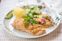 Mediterranean taste to be combined with fresh asparagus. Red Pesto, Pesto Salmon, Fresh Asparagus, Kermit, Bon Appetit, Baked Potato, Potatoes, Fish, Meat