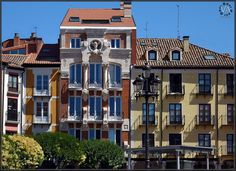 Beautiful classic buildings at Burgos City's Plaza Mayor / Bellos edificios clásicos en la Plaza Mayor de Burgos capital by Trensamiro, via Flickr