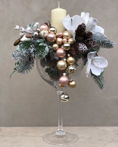 Christmas gifts: Posters and posters for all tastes! Victorian Christmas Decorations, Christmas Candle Decorations, Christmas Flowers, Christmas Candles, Christmas Diy, Christmas Wreaths, Christmas Ornaments, Homemade Decorations, Advent Wreaths