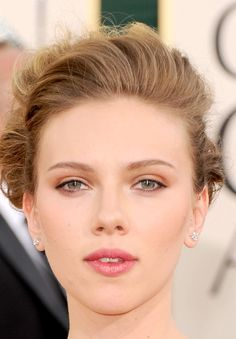 Scarlett Johansson Lookbook: Scarlett Johansson wearing Pink Lipstick (23 of 56). Scarlett always looks gorgeous on the red carpet. At the 2011 Golden Globe Awards she kept up her alluring look with natural makeup and soft pink lips.
